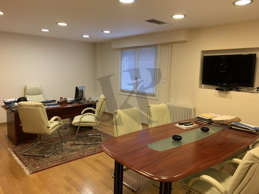 (For Sale) Commercial Office || Athens Center/Athens - 140 Sq.m, 400.000€